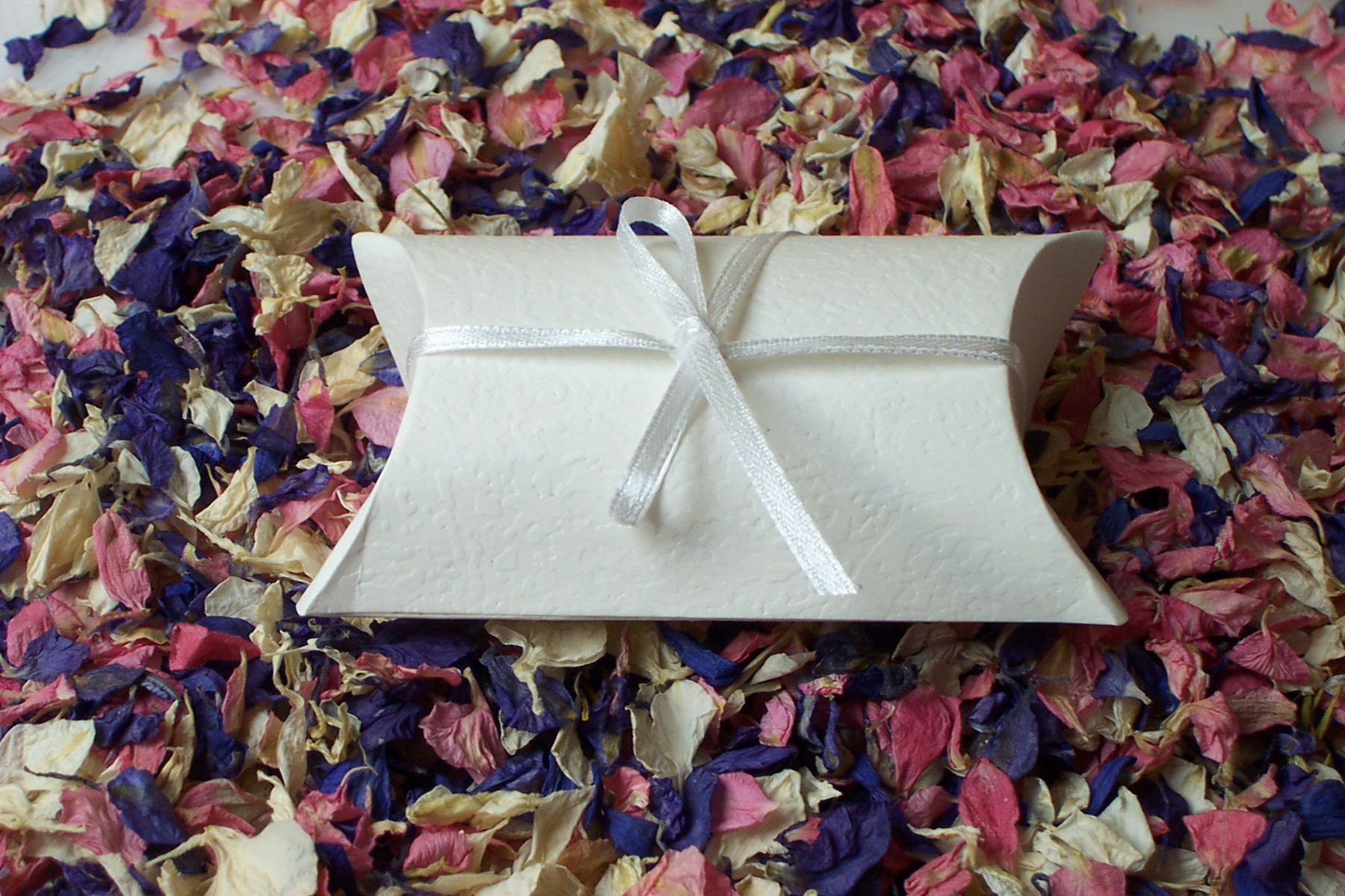 favour box pillow box